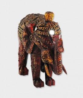 Éléphant noble rouge...