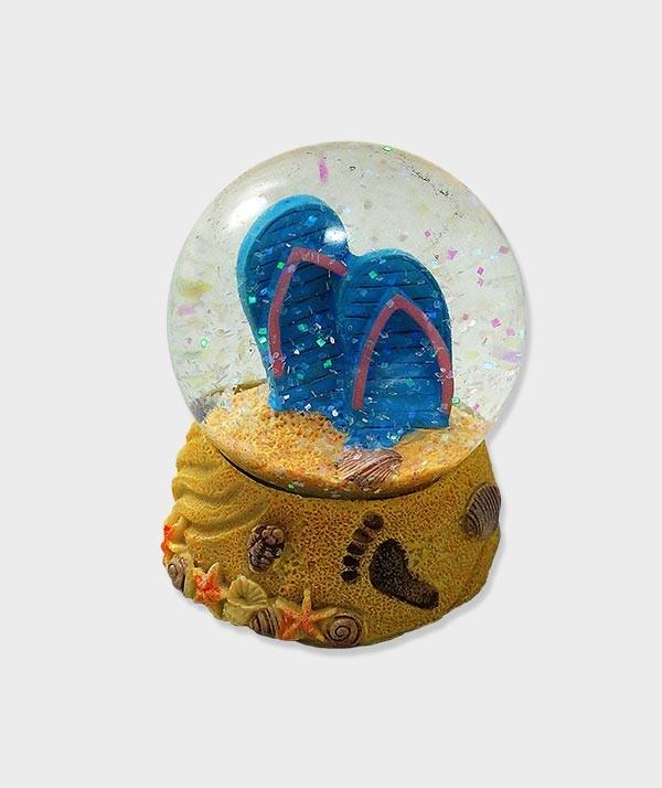 Boule A Neige Déco Tong dans le Sable  à Lacanau Océan bleu