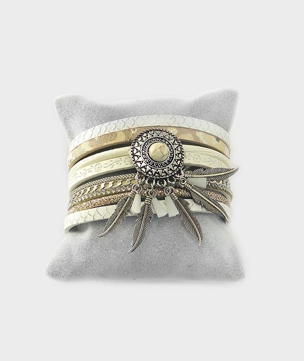 bracelet beige vue3